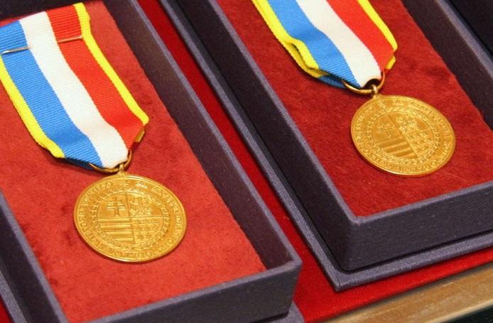 Nabór wniosków o nadanie Odznaki Honorowej Województwa Świętokrzyskiego