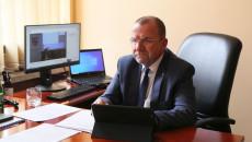 Wicemarszałek Marek Bogusławski Słucha Obrad Sesji Sejmiku Prowadzonej Zdalnie