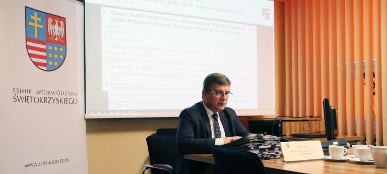 Zdalna Sesja Sejmiku Województwa Świętokrzyskiego W Dniu 29 Czerwca, Przewodniczy Radny Andrzej Pruś