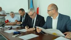 podpisanie umów na termomodernizację ZOZ w Busku-Zdroju