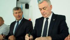 podpisanie umów w Pińczowie na termomodernizację