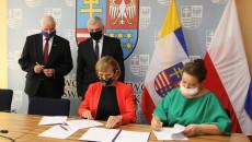 Podpisanie Porozumienia O Współpracy Na Rzecz Wypracowania Innowacyjnego Rozwiązania W Zakresie Zagospodarowania Komunalnych Osadów ściekowych I Popiołów Ze Spalania Biomasy