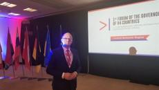 Jacek Sułek, dyrektor Departamentu Inwestycji i Rozwoju Urzędu Marszałkowskiego podczas forum regionalnego krajów V4