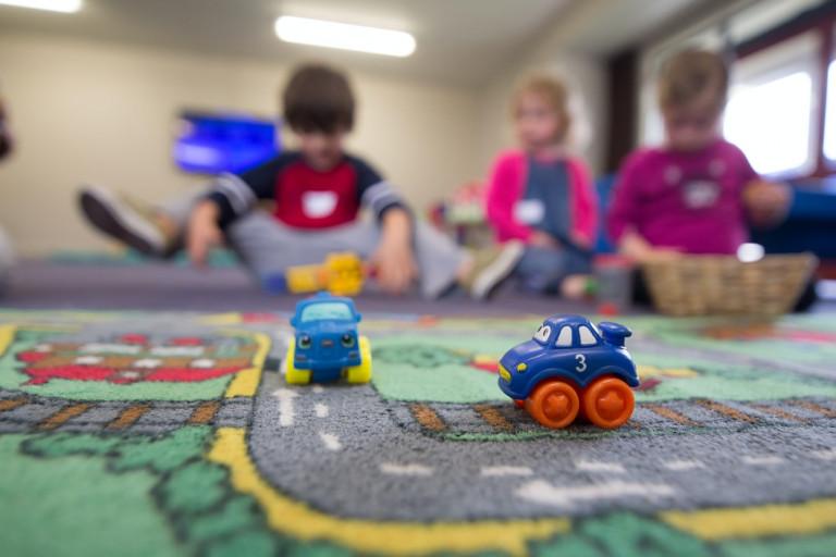 Bawiące Się W Przedszkolu Dzieci