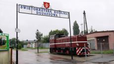 Wejście na teren Świętokrzyskiej Kolejki Dojazdowej