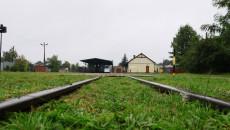 Widok torów i stacji w Jędrzejowie