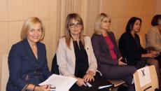 Wicemarszałek Renata Janik Aleksandra Marcinkowska Dyrektor Wojewódzkiego Urzędu Pracy oraz Katarzyna Kubicka dyrektor departamentu Europejskiego Funduszu Społecznego