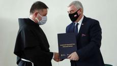 Marszałek Andrzej Bętkowski I Gwardian Klasztoru O. Janusz Łazarczyk