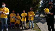 Wolontariusze przed urzędem marszałkowskim prowadzili zbiórkę na rzecz Hospicjum Stacjonarnego im. Św. Matki Teresy z Kalkuty w Kielcach
