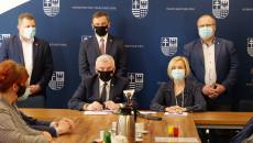 Uroczyste Podpisanie Umów Na Dofinansowanie Robót Budowlanych W Obiektach Służących Rehabilitacji Osób Z Niepełnosprawnościami (6)