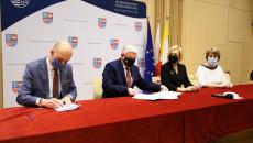 Uroczyste Podpisanie Umowy Z Beneficjentem (1)