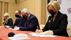 Uroczyste Podpisanie Umowy Z Beneficjentem (2)