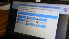 Monitor Komputera Z Nazwiskami Połączonych Zdalnie Uczestników Posiedzenia Komisji Rolnićtwa I Ochrony Środowiska w dniu 25.05.2021.,