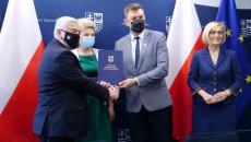Uroczyste Przekazanie Umowy Przez Marszałka Andrzeja Bętkowskiego, Na Ręce Burmistrza Sandomierza, Marcina Marca
