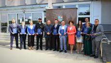 Członkowie Świętokrzyskiej Rady Pożytku Publicznego V Kadencji Przed Siedzibą Urzędu Marszałkowskiego Województwa Świętokrzyskiego.