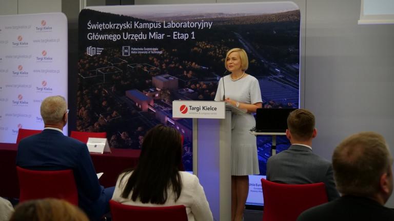 Gości Konferencji Przywitała Wicemarszałek Renata Janik