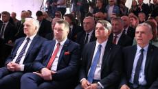Na Pierwszym Planie Od Lewej Siedzą Jarosław Gowin, Przemysław Czarnek, Jacek Semaniak I Zbigniew Koruba. Na Drugim Planie Andrzej Bętkowski I Zbigniew Koniusz