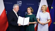 Nominację Na Członka Śrdpp Odbiera Paulina Papka – Krajowe Towarzystwo Autyzmu Oddział W Kielcach