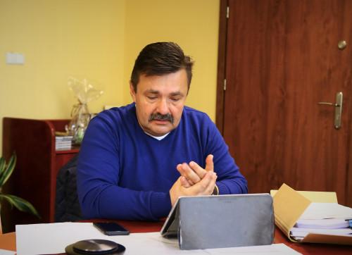 Przewodniczący Komisji Zdrowia Polityki Spolecznej I Spraw Rodziny Waldemar Wrona Na Posiedzeniu Zdalnym 17.05.2021