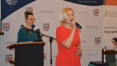 Wicemarszałek Województwa Renata Janik, Przemawia do zgromadzonych, osób z dysfunkcją narządu wzroku