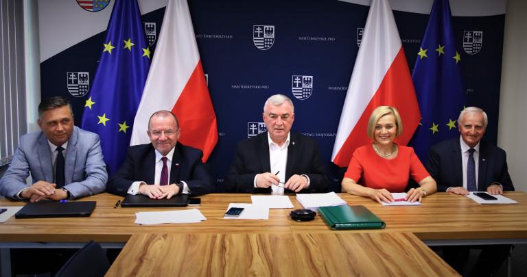 Zarząd Województwa Świętokrzyskiego Podczas Obrad