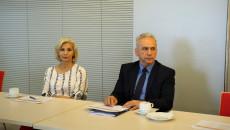 Prorektor UJK Dorota Kozieł i rektor Politechniki Świętokrzyskiej Zbigniew Koruba