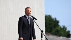 Do mikrofonu przemawia Andrzej Duda