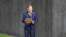 Do mikrofonu przemawia prezes Instytutu Pamięci Narodowej