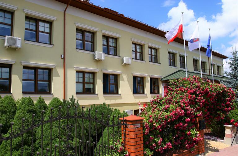 Odnowiony Budynek, siedziba Urzędu Gminy W Lipniku