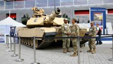 Czołg Abrams Oraz Amerykańscy żołnierze