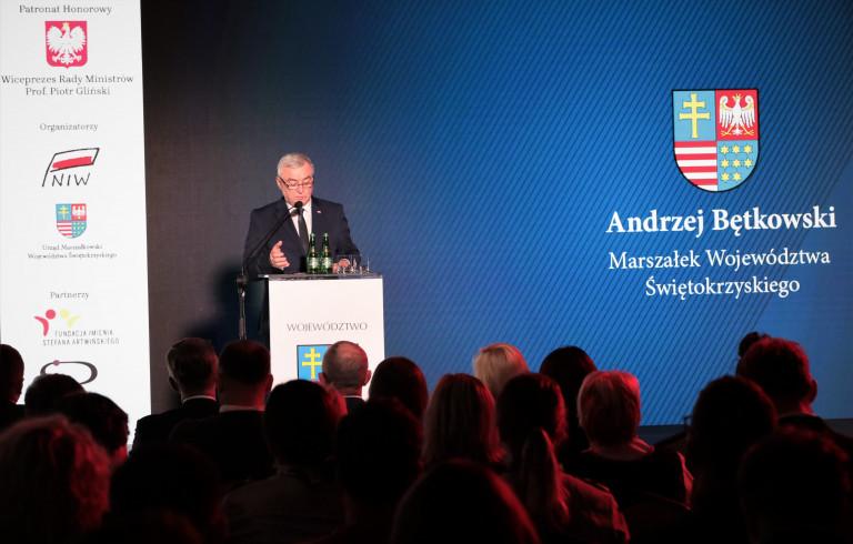Marszałek Andrzej Bętkowski Przemawia