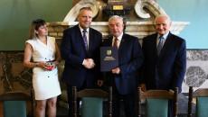 Marszałek Gratuluje Burmistrzowi Kunowa