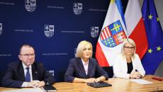 Na Zdjęciu Marek Bogusławski, Renata Janik, Katarzyna Kubicka