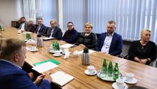 Przedstawiciele Podmiotów Medycznych Oraz Uniwersytetu Jana Kochanowskiego Podczas Spotkania W Urzędzie Marszałkowskim