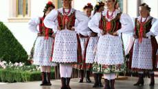 Tancerki Z Zespołu Pieśni I Tańca Kielce