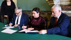 Umowę Podpisuje Burmistrz Ćmielowa