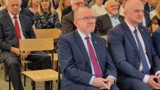 Wicemarszałek Słucha Przemowy Burmistrza Sędziszowa