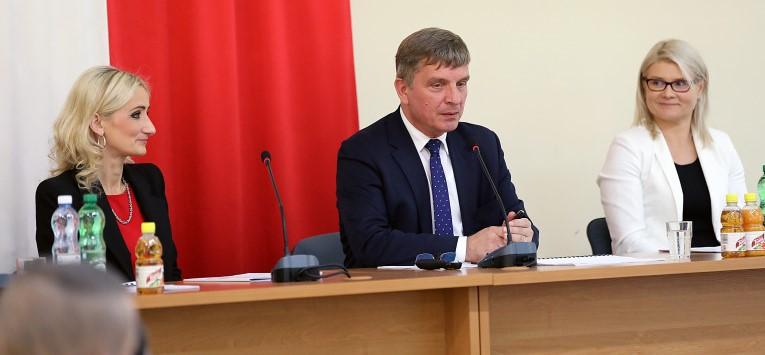 Andrzej Prus Przewodniczacy Sejmiku Mowi O Programie Regionalnym 768x512