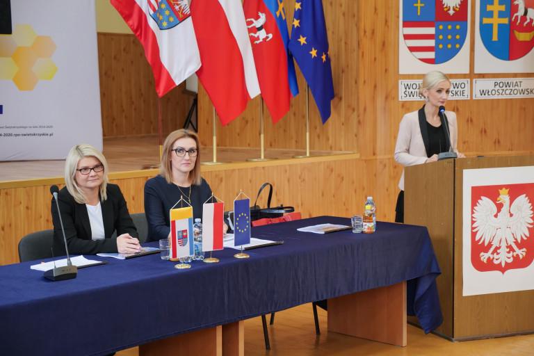 Anna Kucharczyk Prezentuje Założenia Programu.