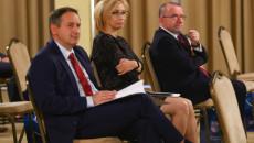 Wicemarszałek Bogusławski Słucha Ekonomistów Z Uniwersytetu Kochanowskiego