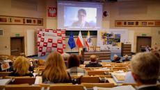 Aula Politechniki Święokrzyskiej, Trwają Konsultacje