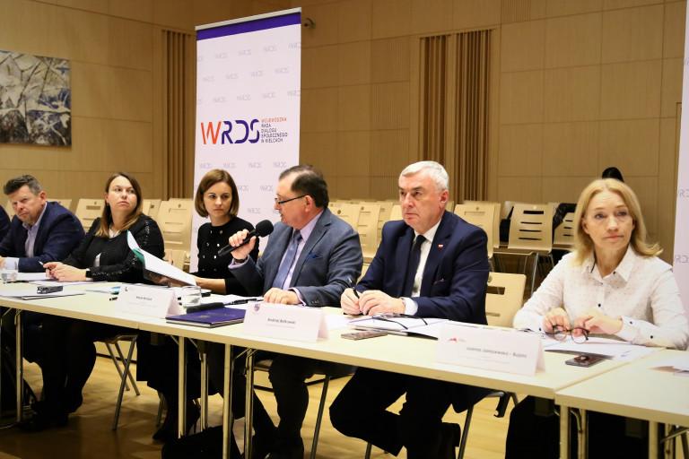 Obrady Wojewódzkiej Rady Dialogu Społecznego Prezydium Rady I Marszałek Andrzej Bętkowski