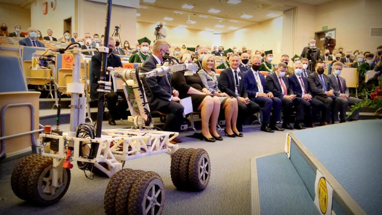 Robot łazik Podczas Inauguracji Roku Akademickiego Politechniki Świętokrzyskiej