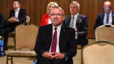 Wicemarszałek Bogusławski Przysłuchuje Się Konferencji O Kryzysie